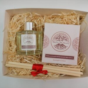 Vanilla & Black Pepper Essential Oil Candle and Reed Diffuser Gift Set